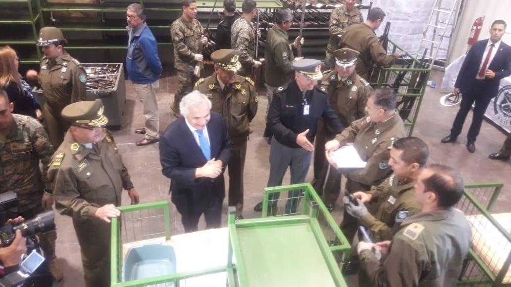 MINISTRO DEL INTERIOR PARTICIPA EN INUTILIZACIÓN DE ARMAS